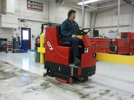 辉派工业原装进口美国卡特Factory Cat GTX中型驾驶式洗地机
