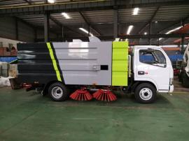 东风小多利卡扫路车(5.5)方国五排放多功能清扫车