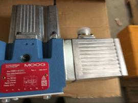 D661-4651 MOOG阀
