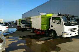 东风5吨干湿两用扫路车带洒水
