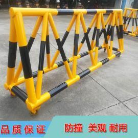 市客运站出入口防冲撞移动拒马 3米长三脚架手推路障