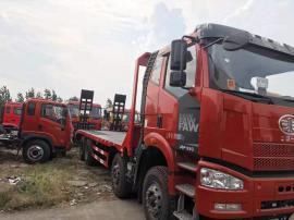 国5小挖机拖车 拉220挖掘机的平板运输车