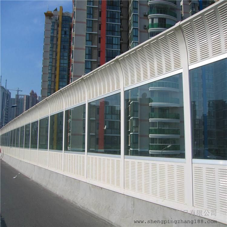 降噪公路声屏障 彩钢板声屏障规格 吸声材料屏障