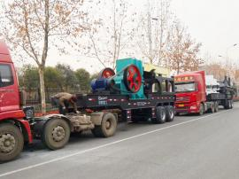 石灰岩车载移动式石子破碎机全钢车架时产200吨石子
