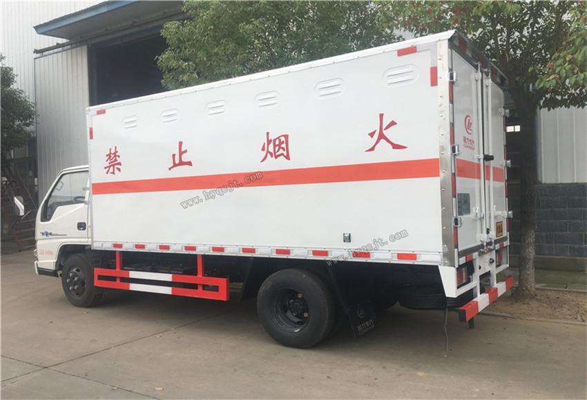 4.2米江铃厢式防爆车