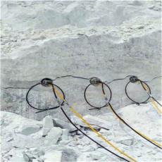地铁车站基础岩石开挖裂石器劈裂棒循环使用