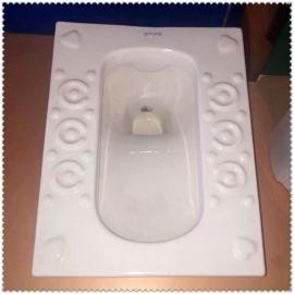 *便宜的陶瓷蹲便器筒易陶瓷坐便器��