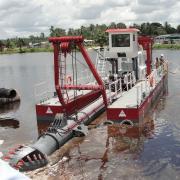 金盟河道远距离输送的抽沙船用什配置14寸