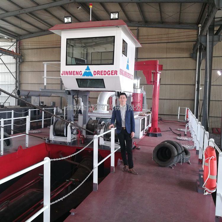 金盟 十二寸绞吸式清淤船可以排出多远 12寸