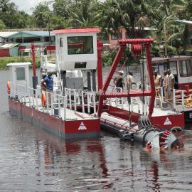 金盟 抽深3米挖泥船的售�r �g吸式挖泥船配置 6
