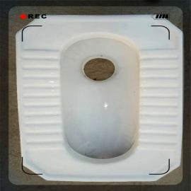 蹲便器广 东陶瓷水箱的工程卫浴