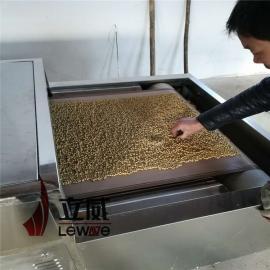 立威隧道式微波�s�Z烘干烘焙�O�洚a量 �S豆熟化�C20kw