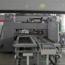 电梯门板生产线