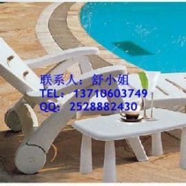 榕城酒店躺椅,现货塑料沙滩椅,实木躺椅