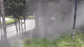 动物园人工景观造雾