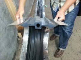 油钢板止水带材质