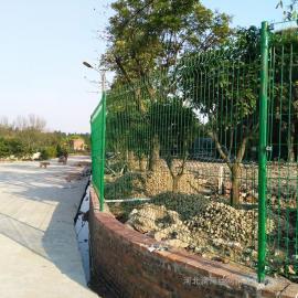 澜润果园光伏防护围栏网 浸塑围栏网 院墙护栏网Q235