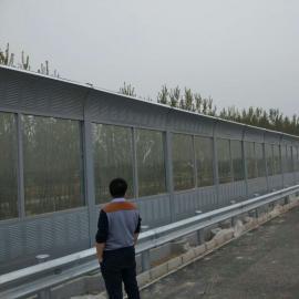 隔音墙施工gao架桥声屏zhang采yong金属板百叶孔xing不仅降di噪音而且美观隔声墙长度2500mm