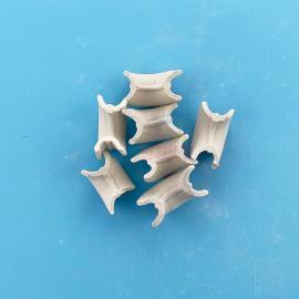 冠霖陶瓷矩鞍环 RTO焚烧lu专用填chong物陶瓷填料25-55mm